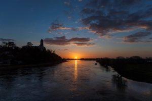 ©D.Drouet - Saint-Florent-le-Vieil et la Loire au coucher du soleil