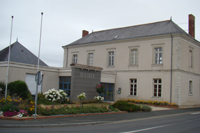 Mairie Saint-Laurent-de-la-Plaine