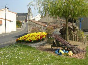 entrée du village de Saint-Laurent-du-Mottay