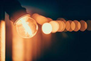 ampoules mikael-kristenson-242079-unsplash